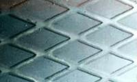 лист металлический с ромбическим рифлением